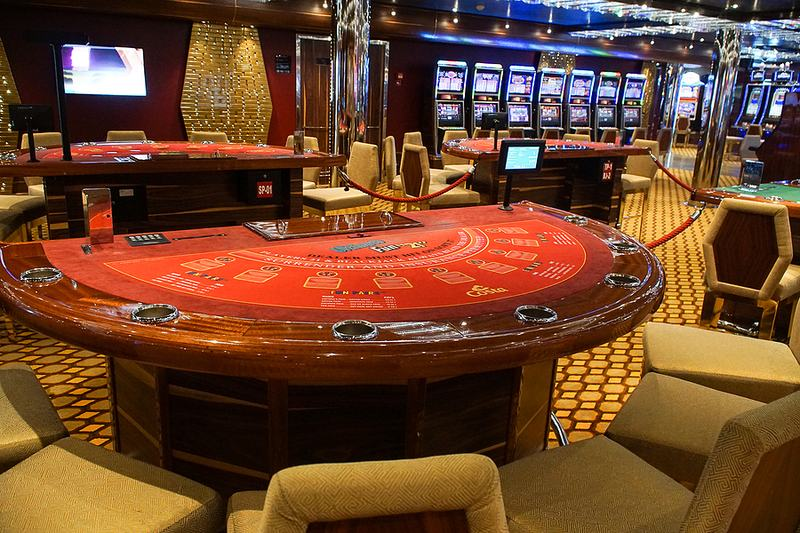 Blackjack table House Edge